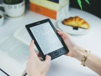 How to Choose an E-book Subscription Service